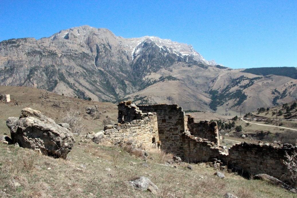 Руины древнего кавказского селения