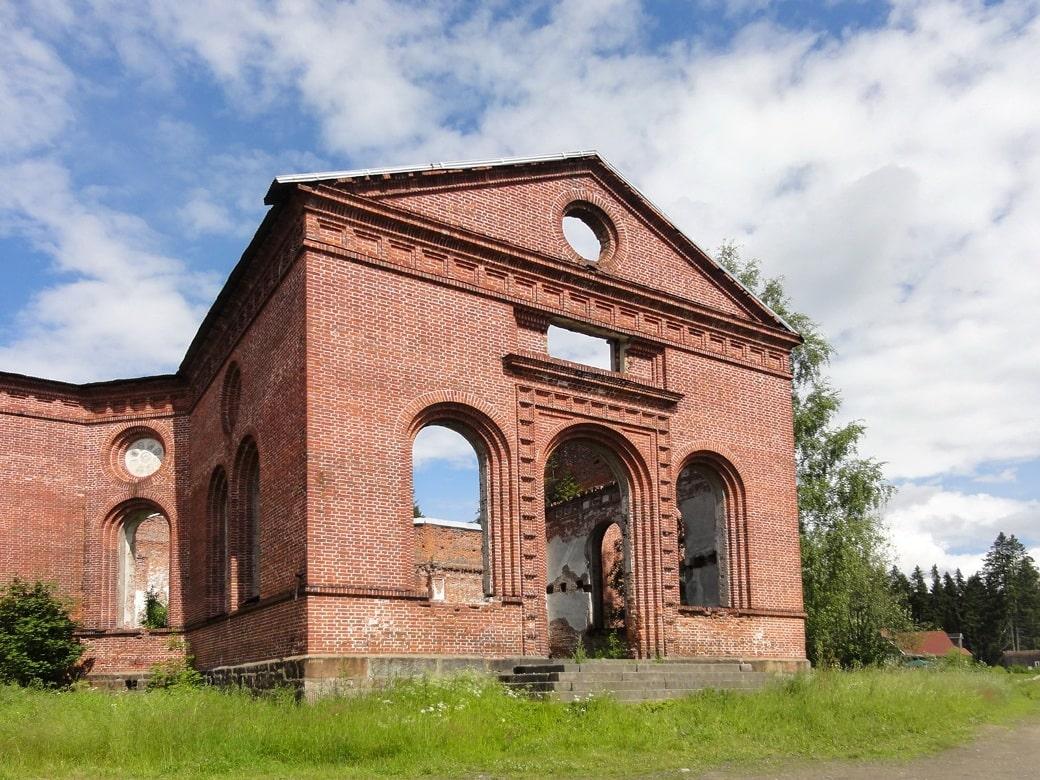 Руины Яккимской лютеранской кирхи
