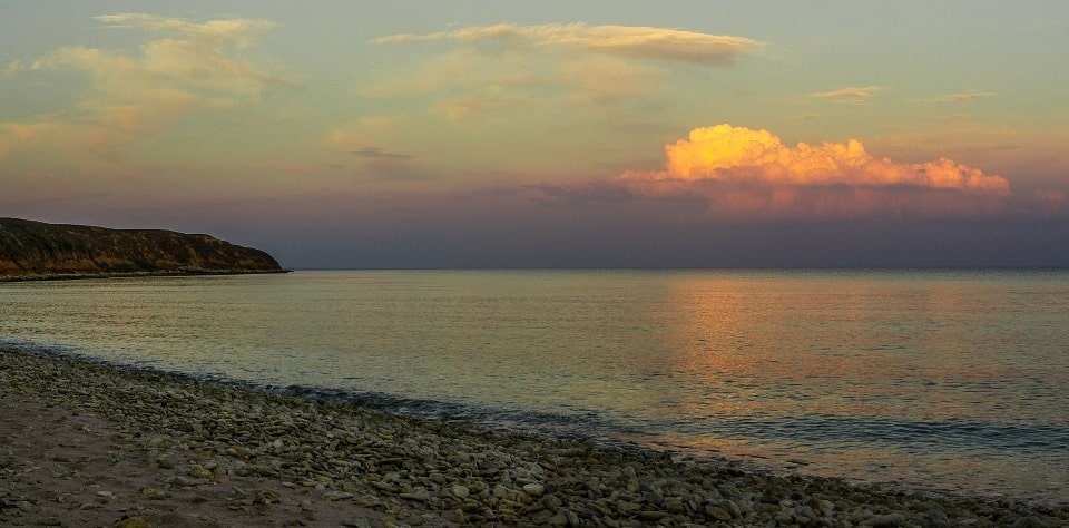 Вид от скалы на море
