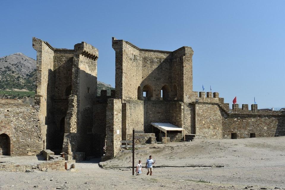 Туристическим хитом Судака является генуэзская крепость