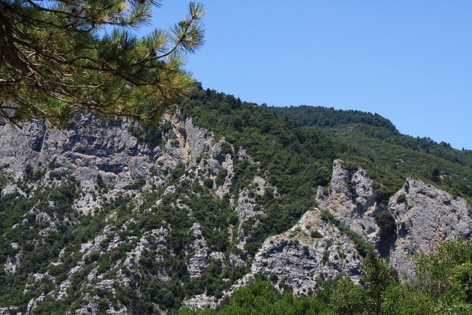Горный массив находится на территории национального парка