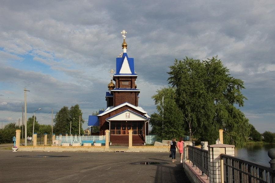 Храм в честь Благовещения Пресвятой Богородицы на берегу Ивделя