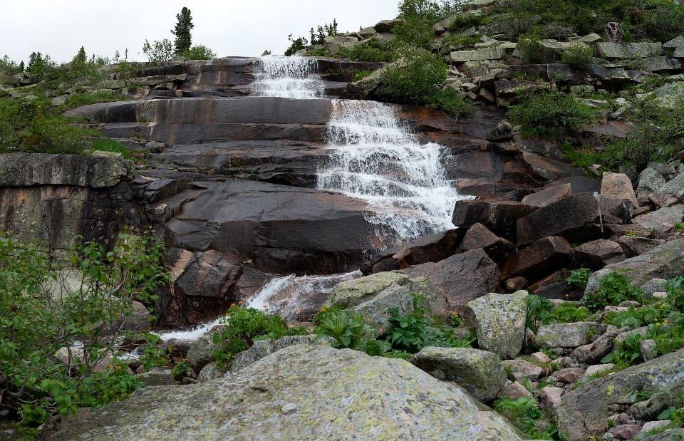 Украшением плато являются многочисленные водопады