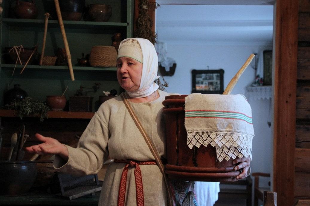В древности земли на южном берегу Онежского озера были заселены народом весь