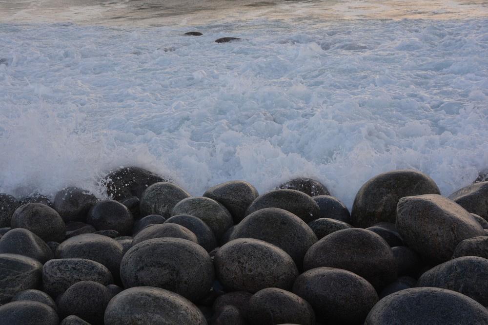 Пляж «Яйца динозавров» в Териберке
