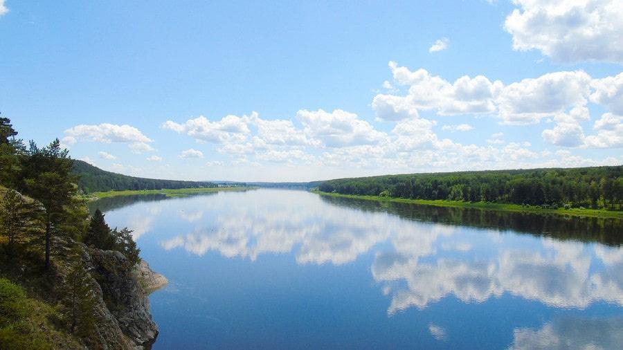 Берега реки отличаются малолюдностью