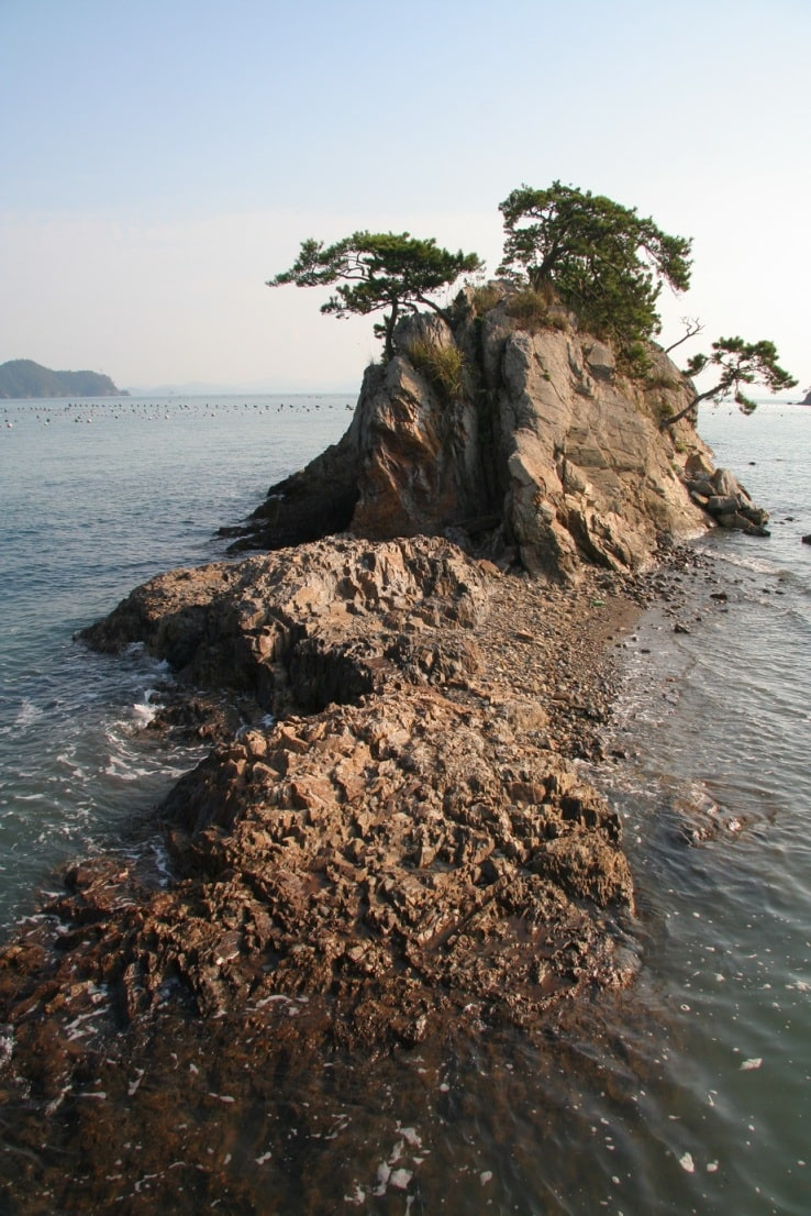 Некоторые острова напоминают морских чудовищ