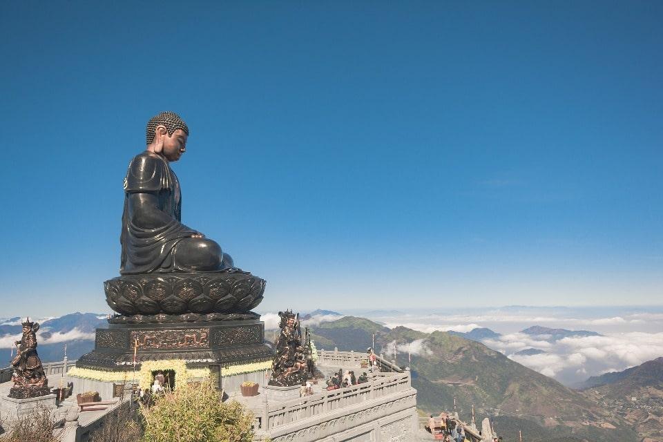 Будда на вершине горы Фаншипан