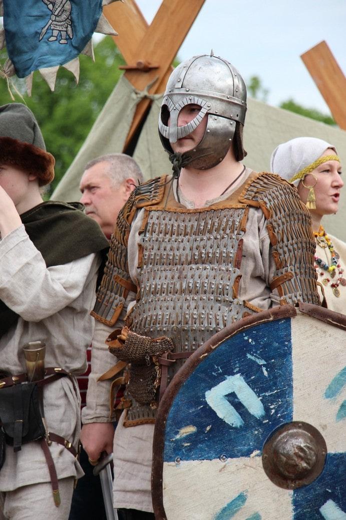 Каждый год летом на территории крепости организуют исторический фестиваль