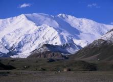 Киргизия, Восхождение на пик Юхина (5130 метров, разведка)