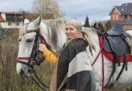Экскурсия на конюшню с катанием и квестом