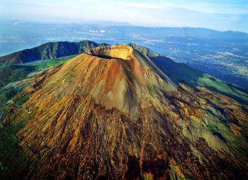Итальянские каникулы (без рюкзаков) с восхождением на вулкан Везувий