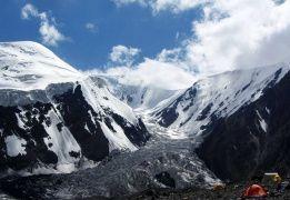 Восхождение на пик Юхина (5130 метров, разведка)