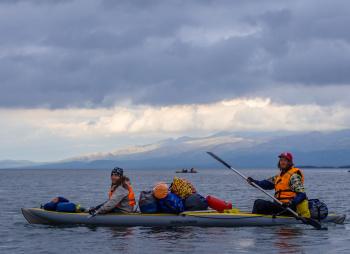 В сердце Кольских гор на байдарках: озеро Имандра и треккинг в Хибины