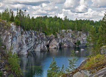 Рускеальский горный парк (Мраморный Карьер)